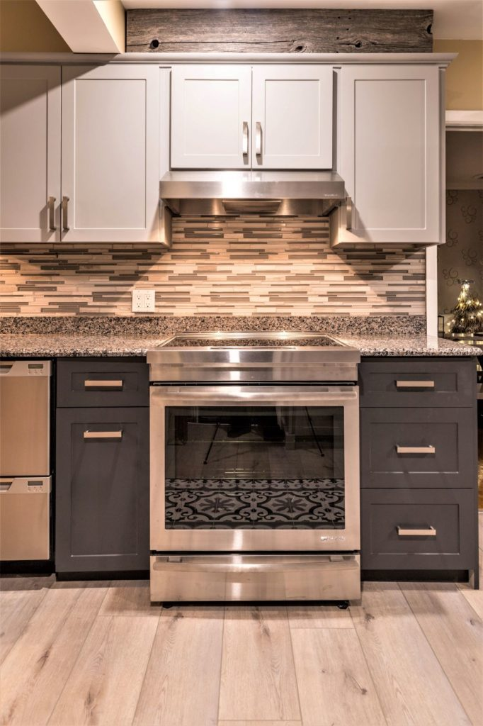 two-tone cabinets